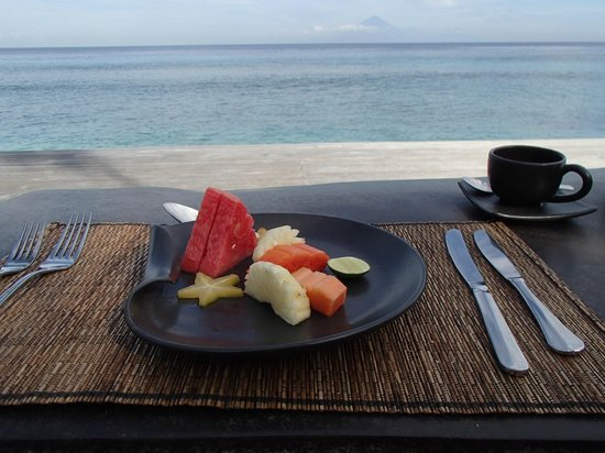 Qunci Villas Hotel : Breakfast fruit