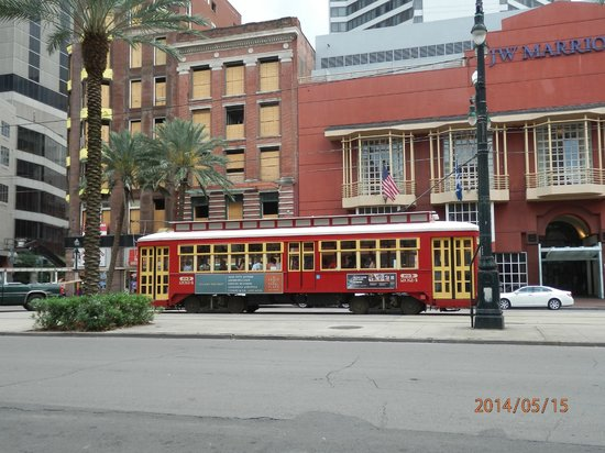 Doubletree by Hilton Hotel New Orleans: Canal Street Trolley