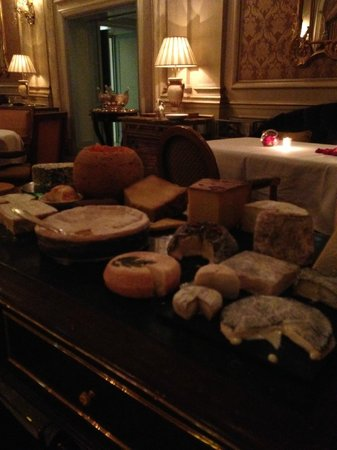 Le Cinq : Most extensive Cheese Cart I have ever experienced