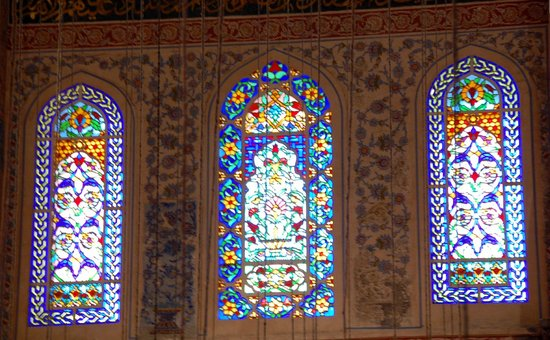 Mosquée Bleue (Sultan Ahmet Camii) : Stained Glass Window inside the Blue Mosque