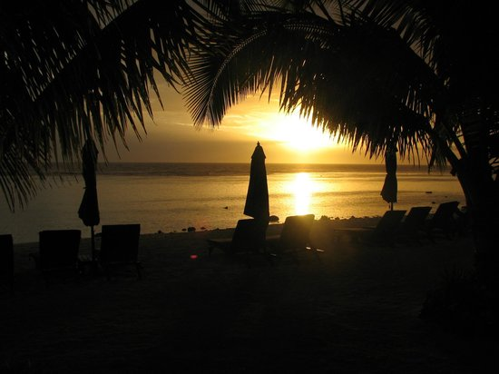 Manuia Beach Resort: Island Night - View from Resort