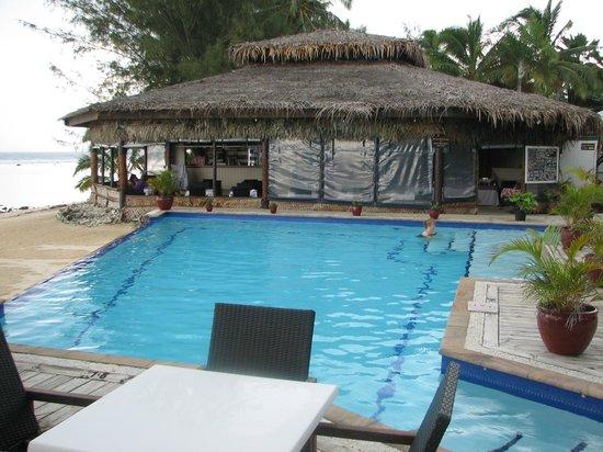 Manuia Beach Resort : Beautiful Infinity Pool - Sparkling