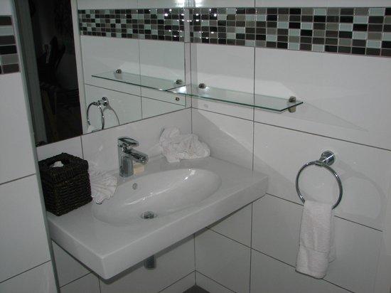 Manuia Beach Resort : Bathroom