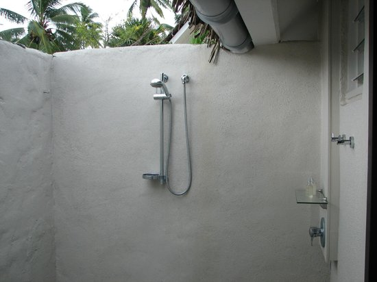 Manuia Beach Resort: Bathroom - Great Idea