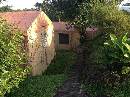 Essence Arenal Boutique Hostel : The tents