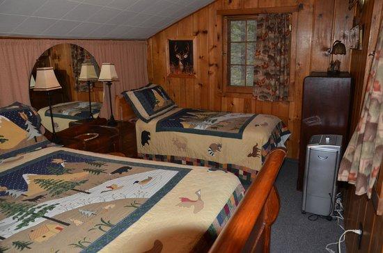 Pine Haven Resort : Upstairs bedroom