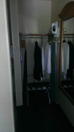 "Baymont Inn & Suites Auburn Hills: small ""closet"""