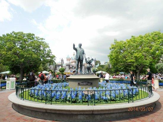 Anaheim Camelot Inn & Suites: Disneyland