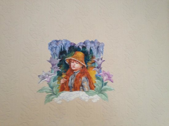 Cornell Hotel de France: Wall painting