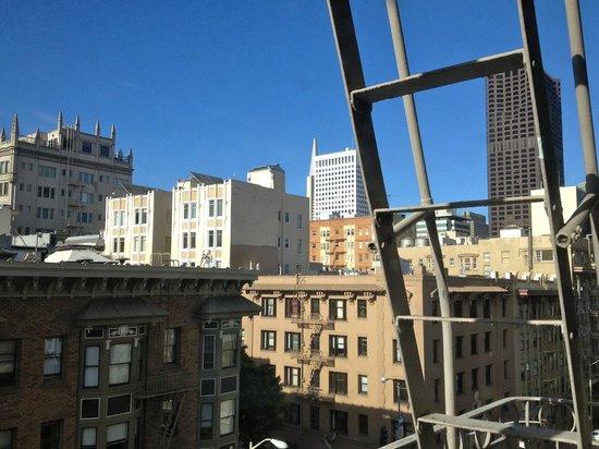 Cornell Hotel de France: Tip of Transamerica Building