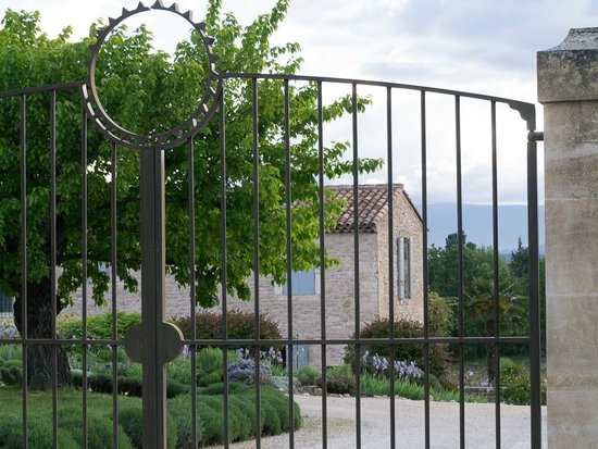 Le Mas del Sol : Entry Gate