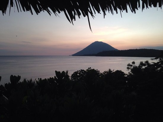 Bunaken Island Resort: My view from my bungalow