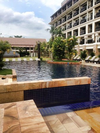Angkor Miracle Resort & Spa: Salt swimming pool and very clean water