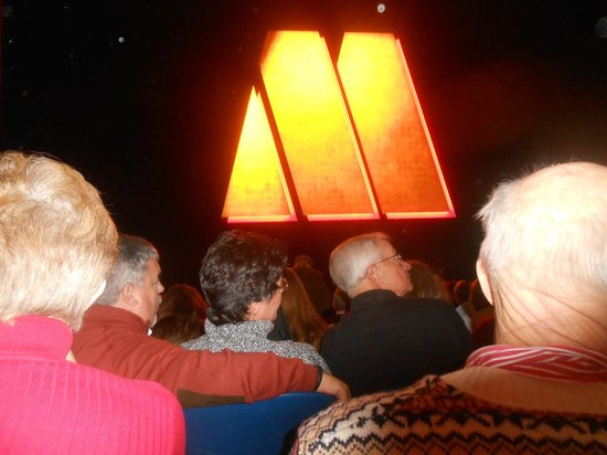 Motown The Musical on Broadway: ...show time...