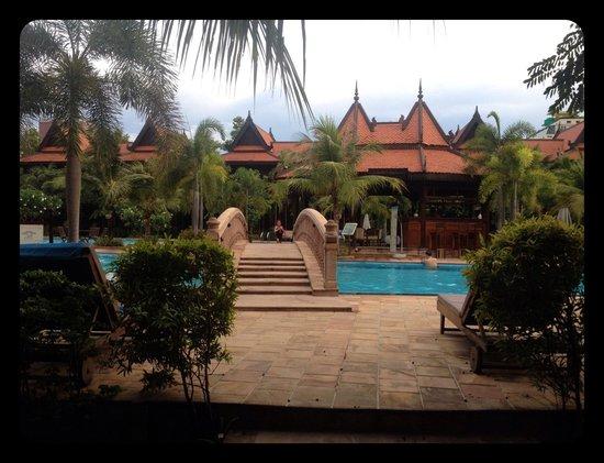 "Sokhalay Angkor Villa Resort: ""Pool Side Bridge"""
