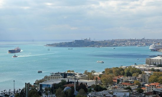 Conrad Istanbul Bosphorus: City View from Exec Terrace