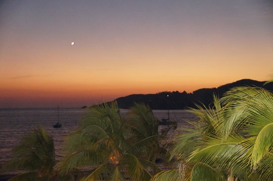 Villa del Sol Resort: Sunset view from the room