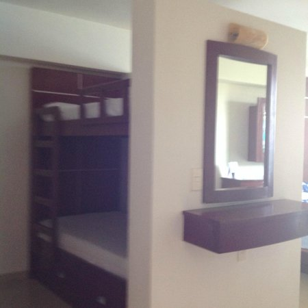 Great Parnassus Family Resort: HABITACION