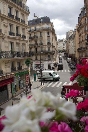 Vista desde la habitación en el segundo piso del Hotel Du Commerce