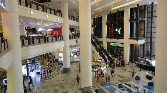 Berjaya Times Square : Quite crowded, many malls