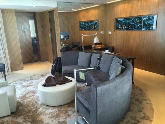 Hotel ICON: Living Room