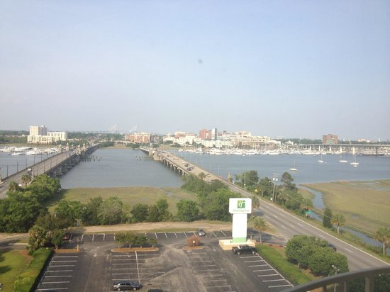 Holiday Inn Charleston Riverview: Room view