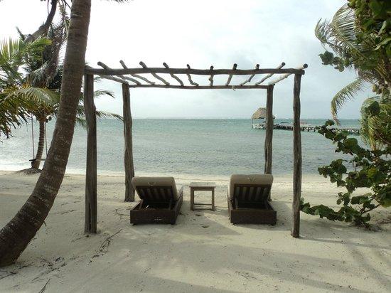 El Secreto : one set of chairs in front of Sea Villa 3