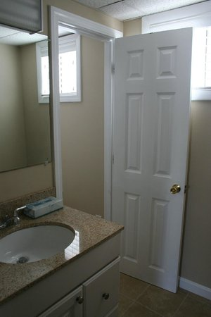 Cape Cod Family Resort Bathroom