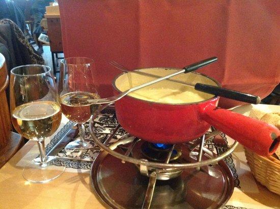 Restaurant Swiss Chuchi: Fondue!
