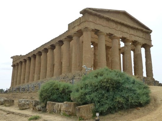 Valley of the Temples (Valle dei Templi): Center Temple