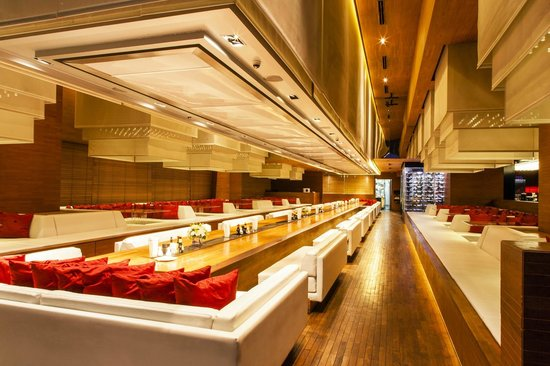 Column Bangkok: Long table