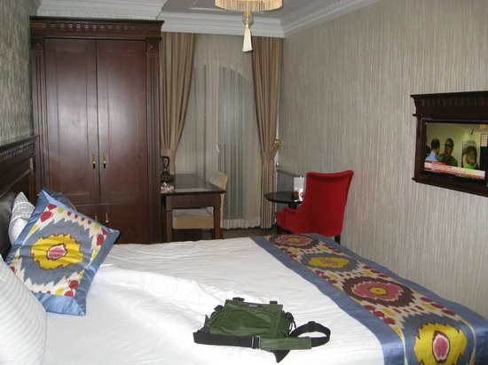 The Magnaura Palace: Room near elevator, but still quiet