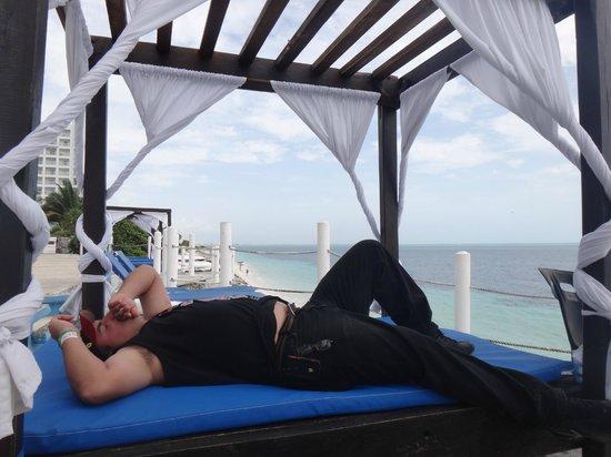 Hotel Dos Playas Beach House: descansando en el hermoso mirador