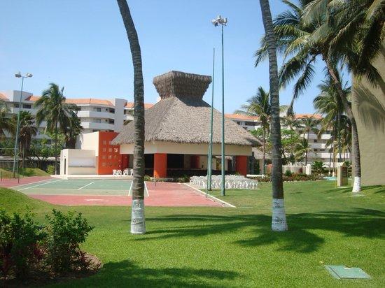 Occidental Nuevo Vallarta: Stage/show area