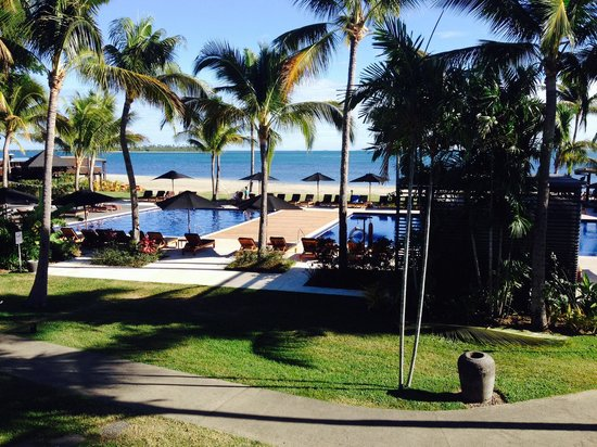 Hilton Fiji Beach Resort & Spa: The beach may not be grey but pools are nice