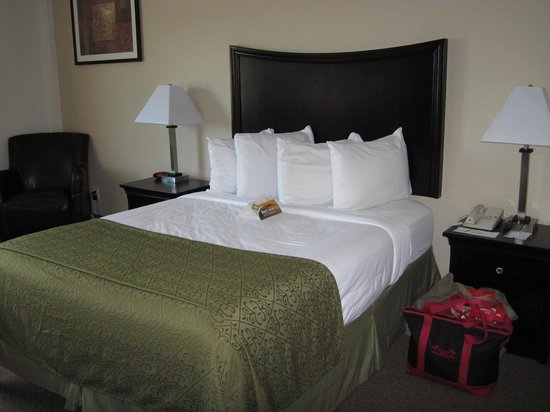 Inn at Lincoln City : Room with queen bed