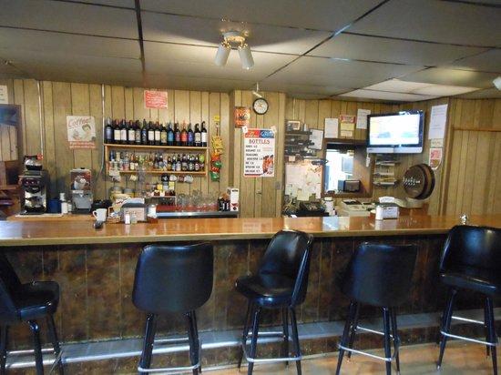 John Henry's Family Restaurant and Casino: Bar