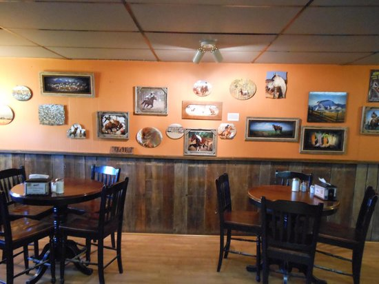 John Henry's Family Restaurant and Casino: Interior