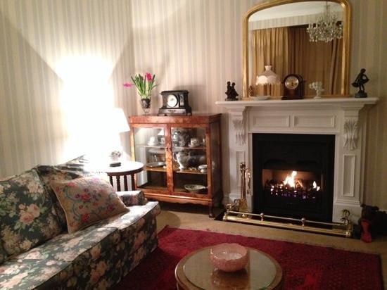 Banks House Akaroa : Sitting / TV Room