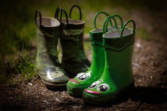 Westridge Shores Resort: The boys boots after hunting for bugs and frogs