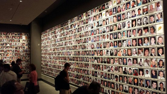 National September 11 Memorial und Museum: Victims row