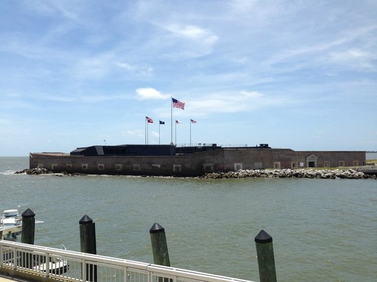 Fort Sumter National Monument: approaching the fort