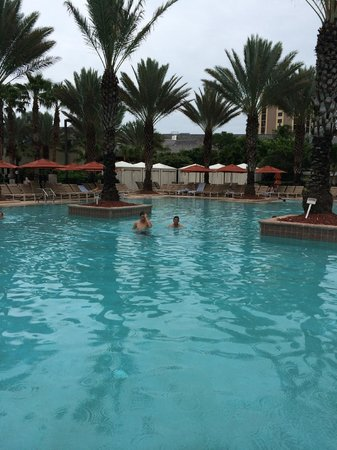 JW Marriott Marco Island Beach Resort: spacious pool area