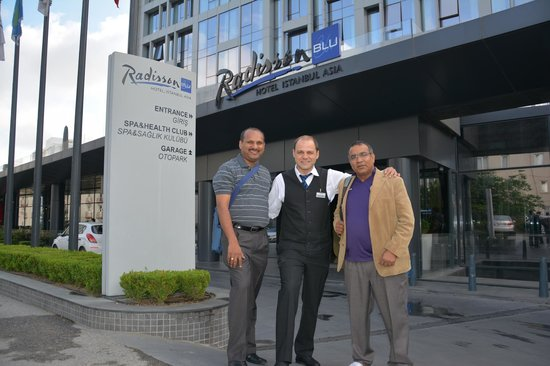 Radisson Blu Hotel Istanbul Asia: Mr. Erman was a very enthusiastic guide to the city