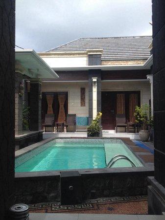 Denays House : ��