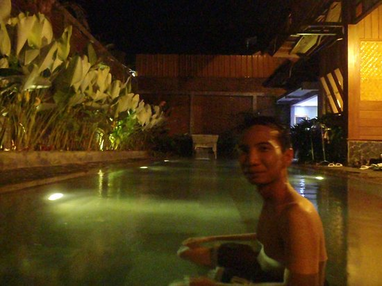 Kampung Sumber Alam: Private Whirpool Deluxe Suite Room