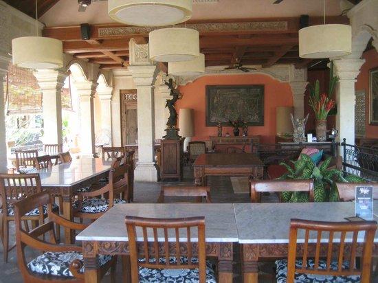 Honeymoon Guesthouses: Breakfast Facility