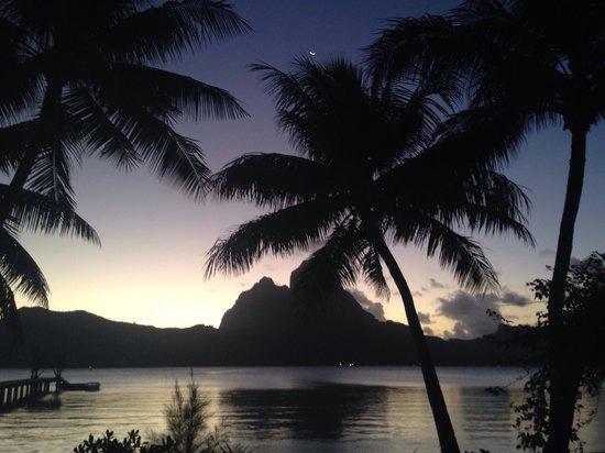 Eden Beach Hotel Bora Bora : Los atardeceres de ensueño.