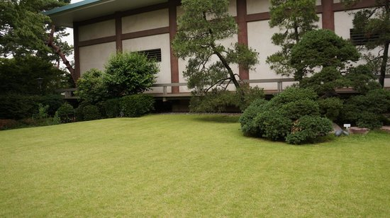 The Gotoh Museum: 別館の庭