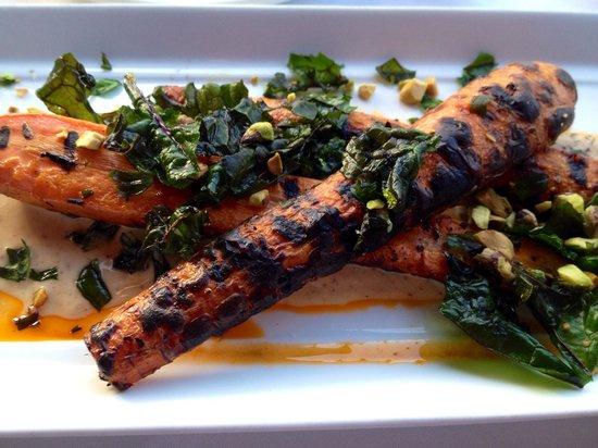 Longboards Bar & Grill: Carrot appetizer